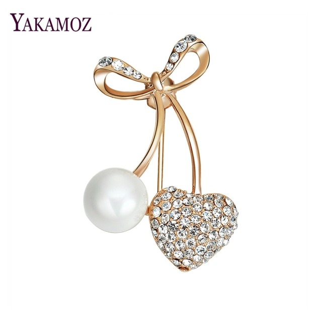 ff4ea1d9158 2018 Imitation Pearls Heart Gold Color Brooches for Women Girl Personality  Jewelry Scarf Lapel Pin Dress Decoration Accessories