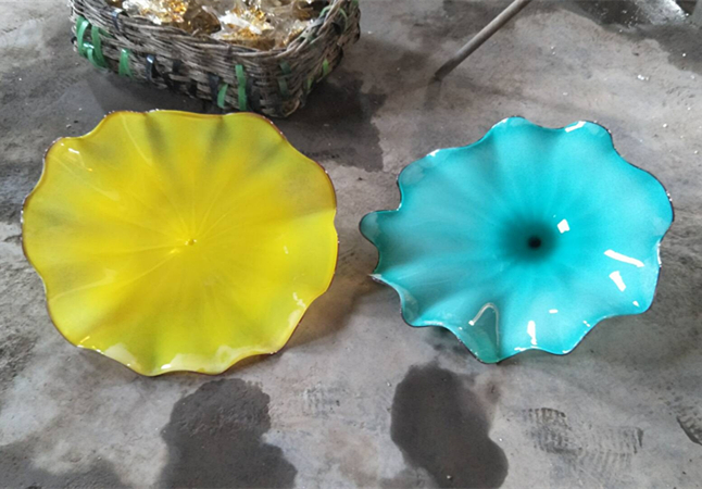 Hot Sale Creative Design Bold Colors Handmade Murano Glass Flush Monted Wall Art Flower Plate in LED Indoor Wall Lamps from Lights Lighting