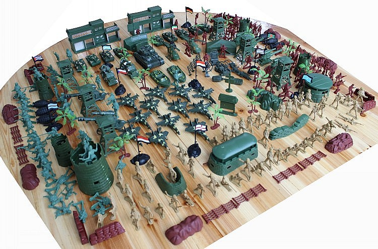 Best Toy And Model Soldiers For Kids : World war ii military base pieces sets toy soldier