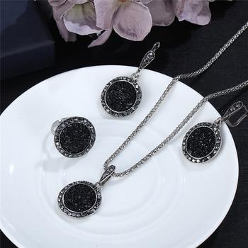 Vintage Black Gem Jewelry Set 1
