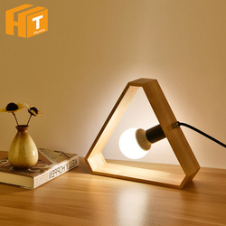 Art drewniane biurko lampy nordycki współczesny trójkąt lampa stołowa z żarówką E27 do salonu sypialnia stolik nocny dekoracja lampy
