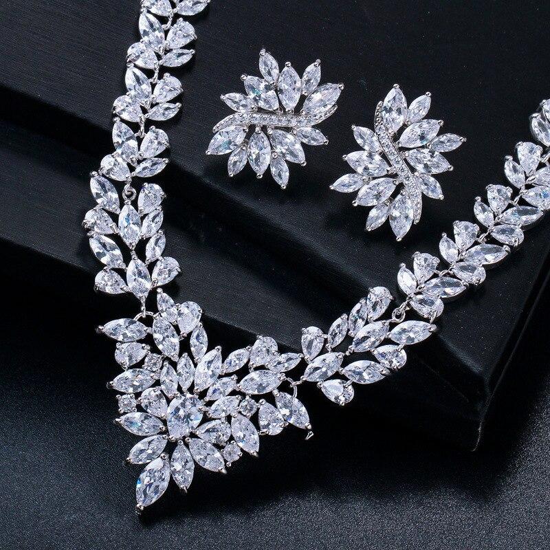 15 Options de Style pour Zircon blanc cuivre plaqué or blanc bijoux d'oreille ensemble boucle d'oreille collier pendentif M02-T1