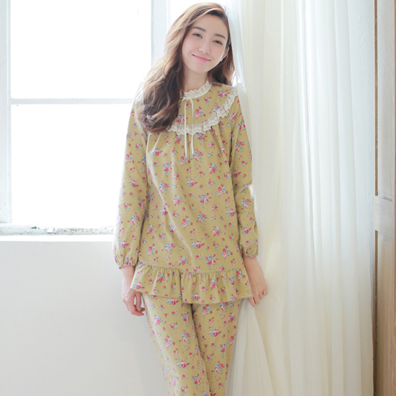Pajamas & Onesies for Juniors. Complete her nighttime wardrobe with juniors pajamas from Kohl's! She will rest easy with a PJ set from our wide variety of juniors sleepwear. For an option that includes all she needs for a good night's sleep, check out our line of juniors pajama sets.