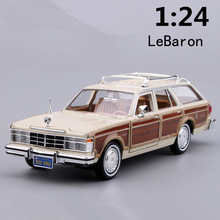 High imitation retro classic car,1:24 scale alloy Chrysler LeBaron,Collection metal model,Station wagon toys,free shipping