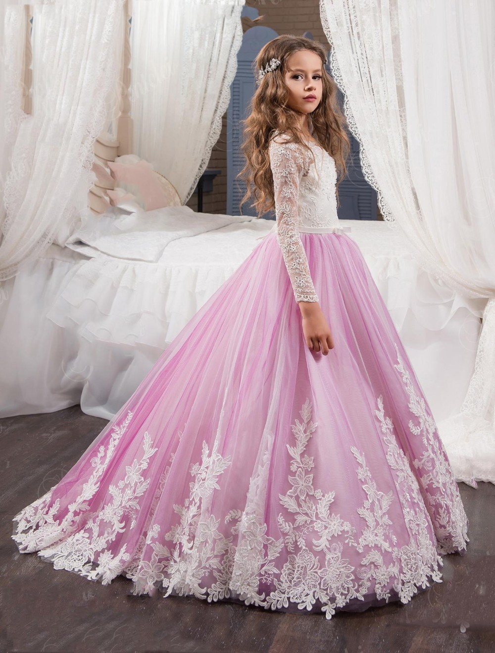 2017 princess long sleeves lace flower girl dresses 2017