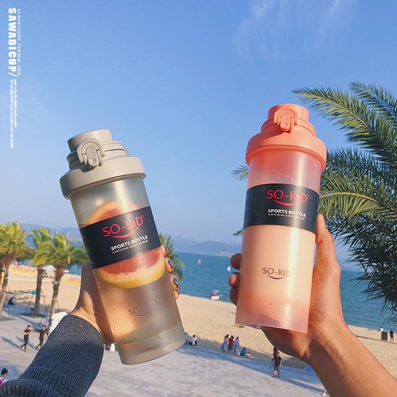 Ev ve Bahçe'ten Kokteyl Karıştırıcı'de 700ml protein çalkalama şişesi BPA Ücretsiz Su Şişeleri Spor Spor Spor Seyahat Öğrencileri Çocuklar Okul içme suyu şişesi Yaz için title=