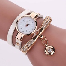 цена New  Fashion Women Bracelet Watch Gold Quartz Gift Watch Wristwatch Women Dress Leather Casual Bracelet Watches онлайн в 2017 году