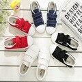 Crianças azuis sapatas de lona das meninas dos meninos sapatos casuais running shoes primavera outono crianças sapatos respirável moda branco preto
