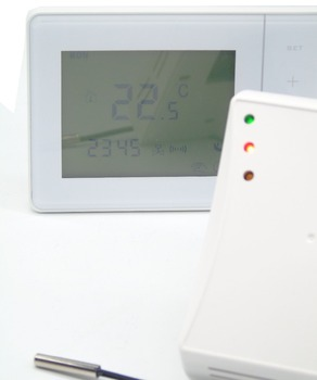 470MHZ 433MHZ Wireless digital temperature controller floor heating thermostat with valve control