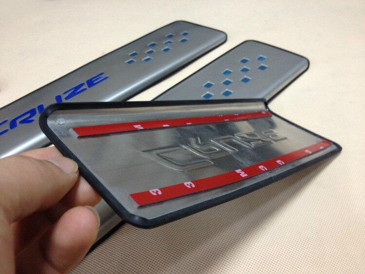 Bleu Rouge Cruze logo En Acier Inoxydable Mince Porte D'usure Sill Plaques autocollants POUR 2015 Chevrolet cruze Externe padel Berline à hayon