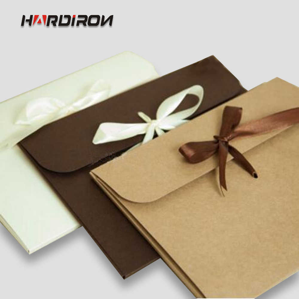 24x18x0.7cm 30pcs Natural and poised envelope cassette Silk packaging gift box 300-350 grams of imported cardboard pack cases