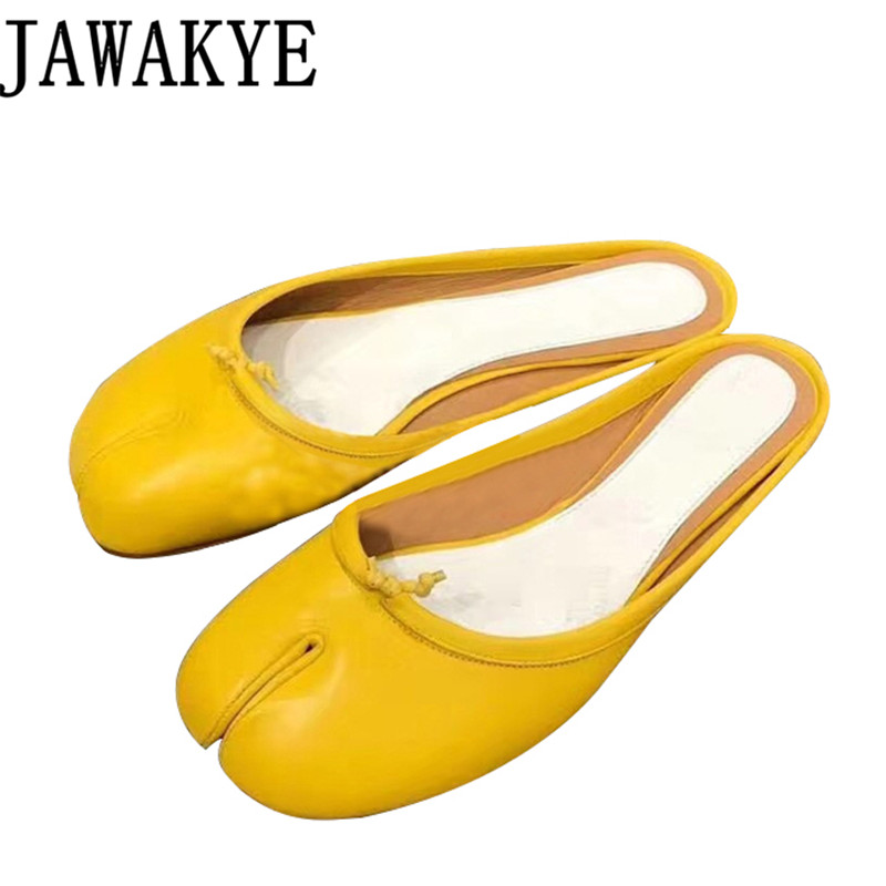 Здесь продается  Summer Genuine leather black yellow flat heel slippers women split toes apart runway style flipflops beach shoes ladies 2018  Обувь