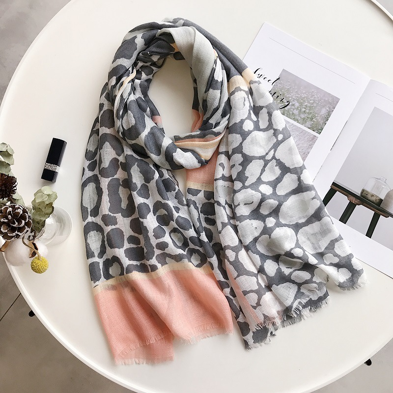 2019 Fashion Leopard Print Fringe Scarves And Shawls Long Beach Leopard Wrap Hijab Scarf Wholesale 10pcs/lot Free Shipping