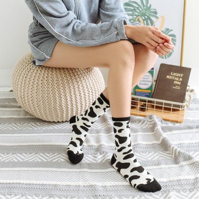 Unisex Harajuku Calcetines Street Tide Brand Ins Black And White Cow Zebra Pattern Hip Hop Skateboarding Trend Men Women Socks