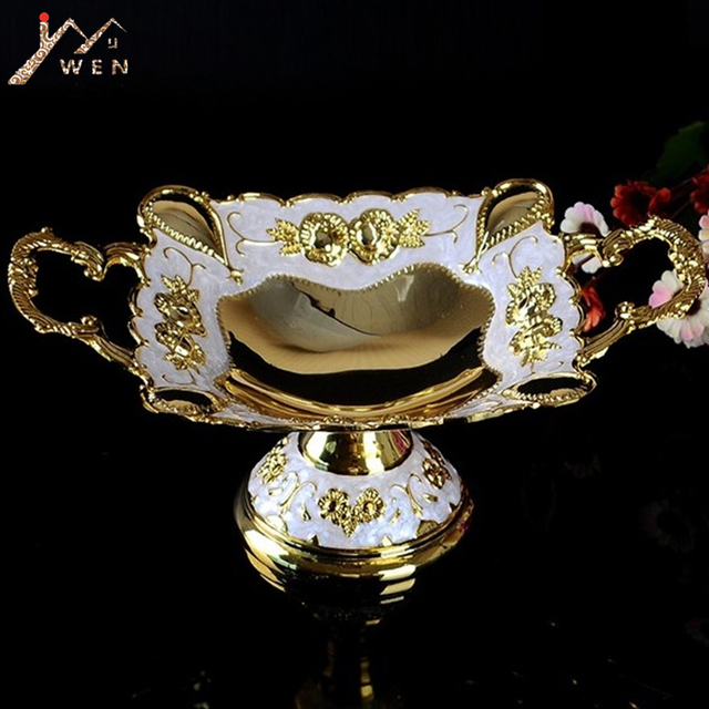 Free shipping gold plated metal snack tray. zinc alloy fruit tray, fashion nut bowl
