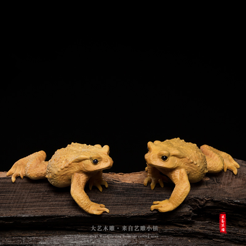 Yueqing boxwood carving at home tea ceremony car