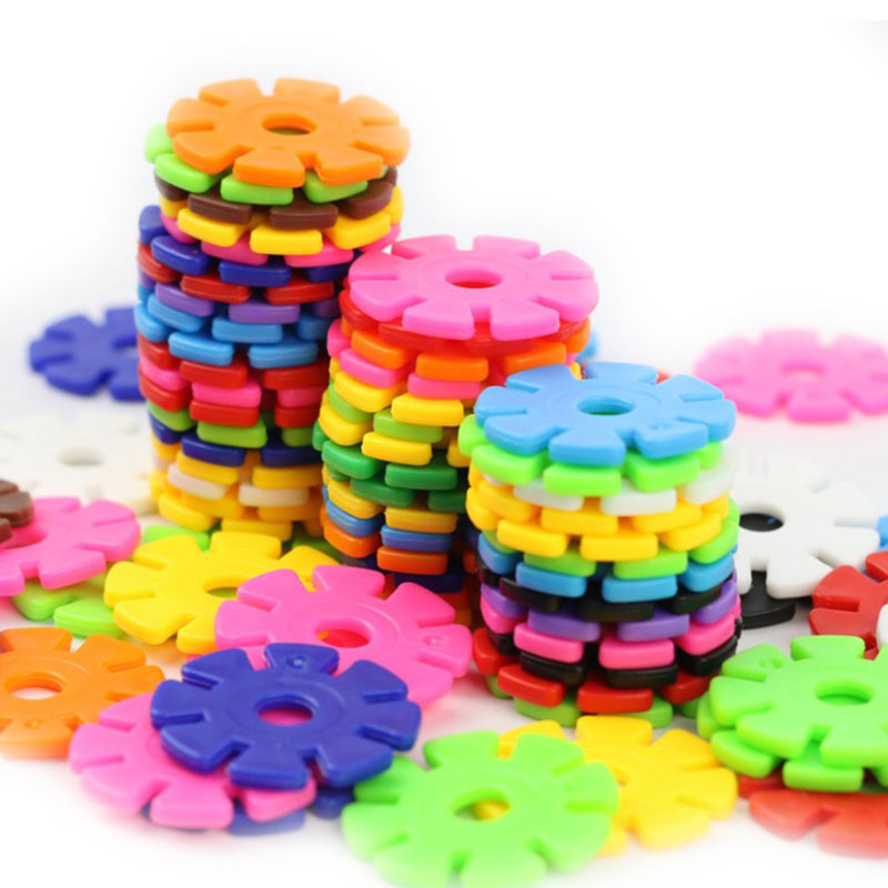 100pcs/lot Plastic Snowflake Interconnecting Blocks Building & Construction Toys Children 3D Puzzle Kindergarten Baby Game Toy(China)