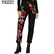 YNZZU Плюс Размер Розы Вышивка Черные Женские Джинсы 2017 Весна Винтаж Прямые Свободные Джинсовые
