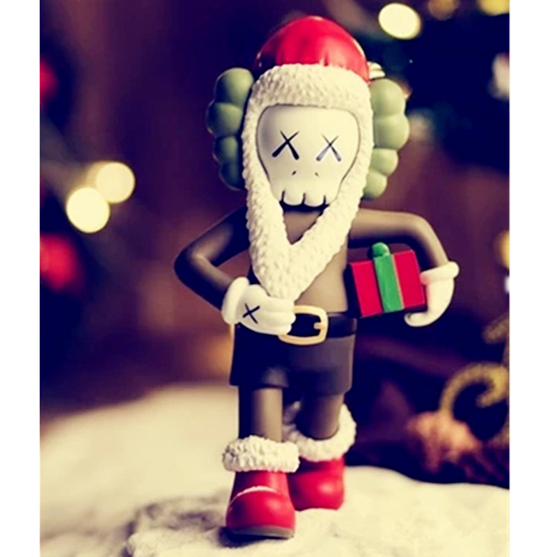 Christmas Present BFF OriginalFake Medicom Toy KAWS Santa Claus PVC Action Figure Collection Model Toy G1094 2 colour outer space trophy electroplating kaws bape milo kabinett ver medicom toy pvc action figure collection model toy g690