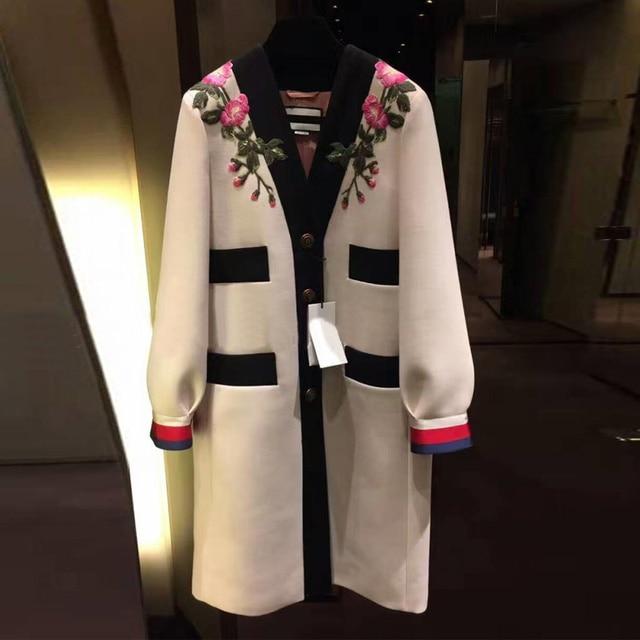 2018 дизайнерский Тренч для подиума, роскошный модный однобортный Тренч с v-образным вырезом, контрастный цвет, винтажное пальто с цветочной вышивкой, бежевый цвет