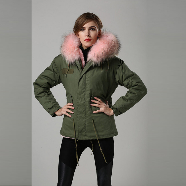 Großhandel Neueste LPink mode warmen pelzmantel, waschbären lpink kragen,  frauen armee-grün winter 42dfe55e1f
