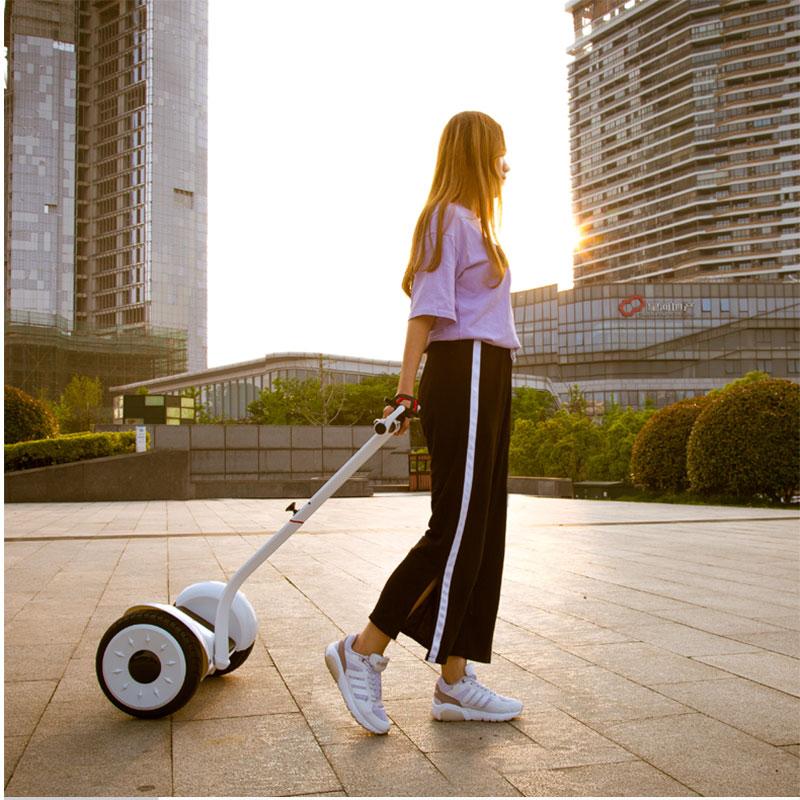 Scooter électrique de contrôle de jambe de Scooter d'équilibre d'individu de Hoverboard électrique de double roue de 54 V - 3