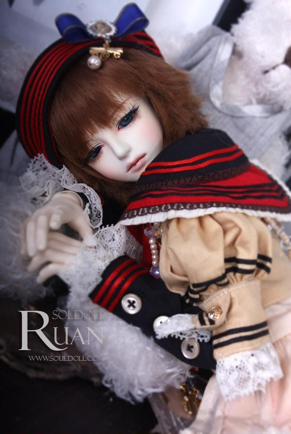 1/4 scale 41cm  BJD nude doll DIY Make up,Dress up SD Male doll. souldoll Ruan.not included Apparel and wig 1 4 bjd dollfie girl doll parts single head include make up shang nai in stock