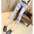 2016 nueva primavera verano tendencia de moda mc novio delgado para Jeans mujer Capris Haren pantalones pie Vintage para mujer pantalones lápiz