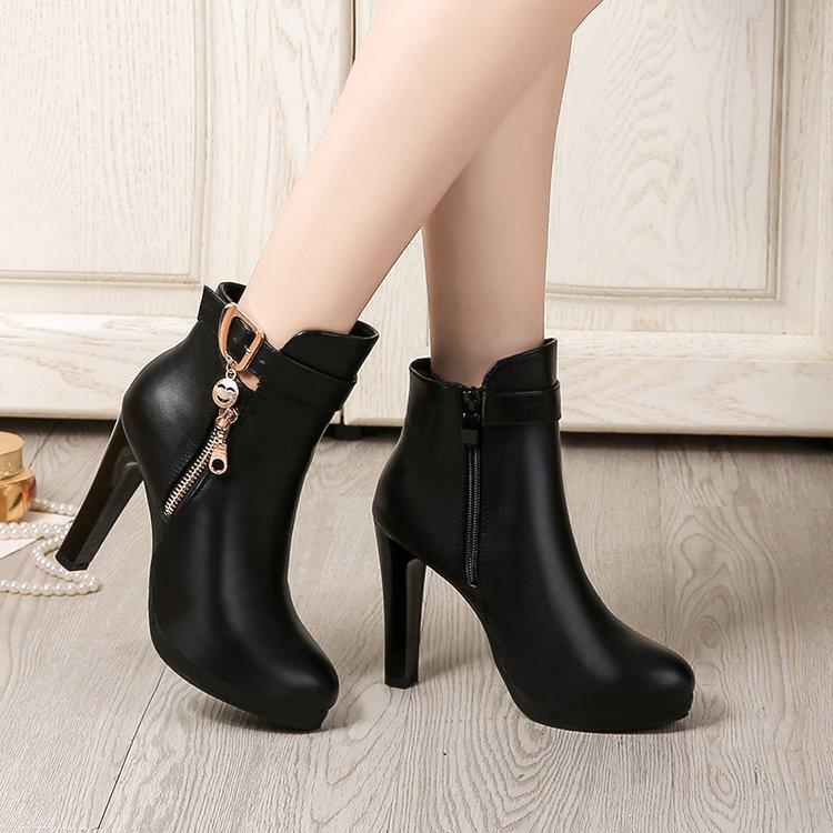 Diamantes 1 Tobillo Moda Mujer Zapatos Martens 2018 Negro Impermeable Barco  Invierno De Mujeres Plataforma Botas ... 42bbd428e918
