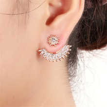 цена New Vintage Gypsophila Crystal Stud Earrings For Women Charm Gold Silver Rose Gold Alloy Earrings Fashion Jewelry онлайн в 2017 году