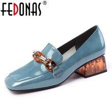FEDONAS/модные женские туфли-лодочки; сезон весна-лето; обувь для вечеринок на высоком каблуке с цепочкой; женская брендовая обувь из натуральной кожи для выпускного; лоферы
