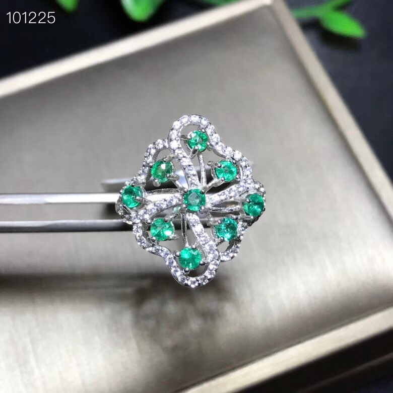 Natural emerald ring, fashionable, gem quality, deep color, 925 silver, customizable size numberNatural emerald ring, fashionable, gem quality, deep color, 925 silver, customizable size number