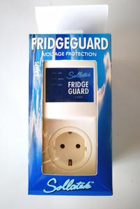 AVS 5A Fridge Guard Protector Automatic Voltage Switcher Refrigerator Protection European Socket Voltage Protector for Fridge
