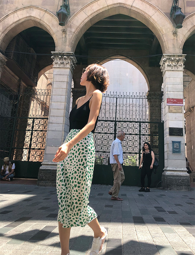 100% الحرير الحرير الأخضر ليوبارد طباعة تنورة المرأة عالية الخصر ميدي عارضة خط تنورة-في تنورة من ملابس نسائية على  مجموعة 1