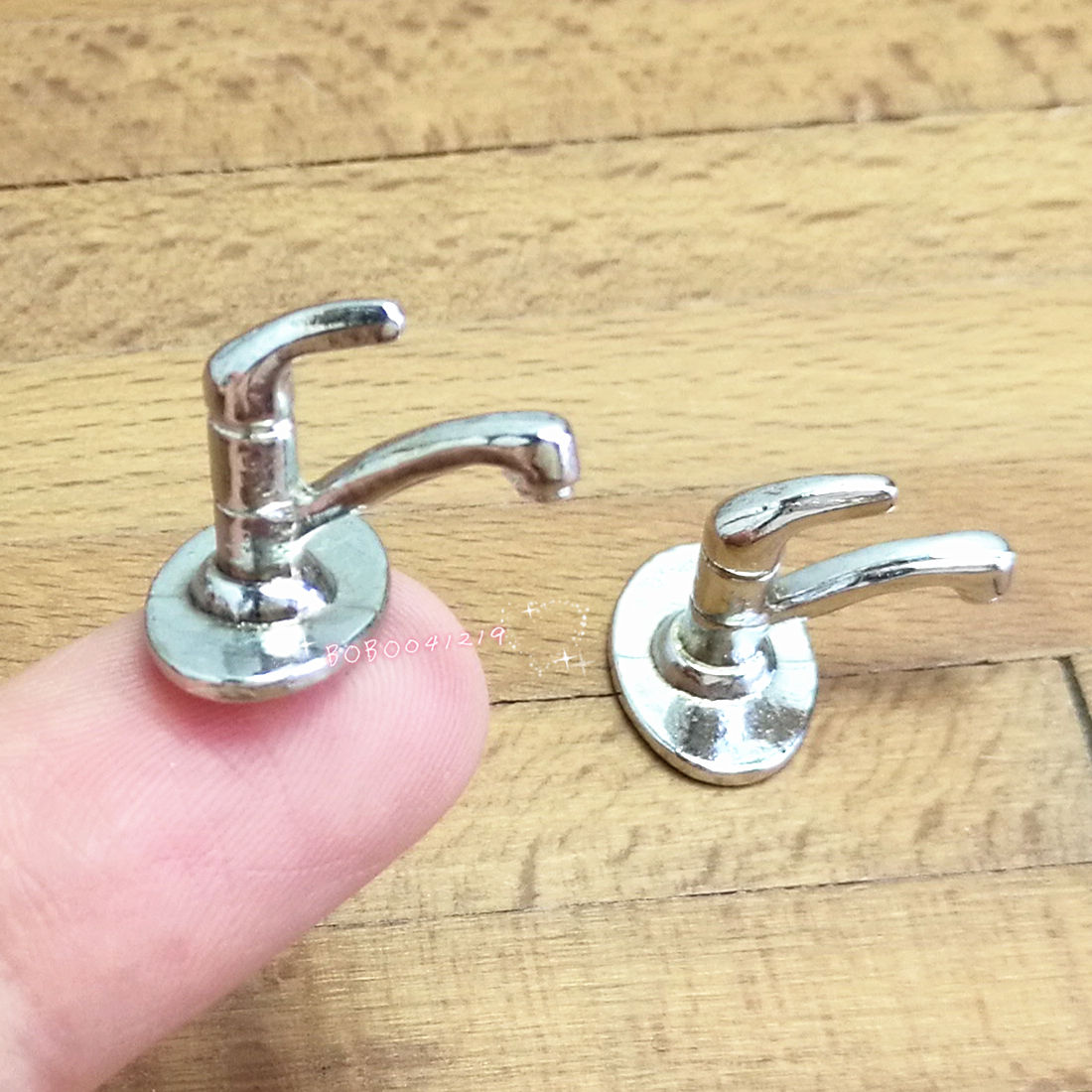 Dollhouse Miniature 1:12 Toy 2 Pieces Metal Silver Faucet Length 1.5cm SPO418