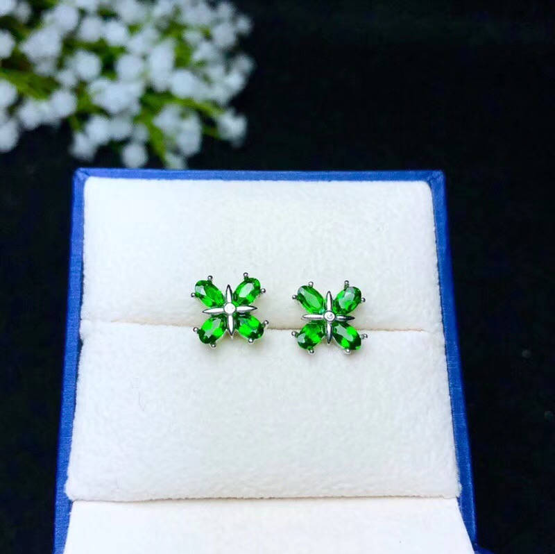 Super beautiful earrings, 925 silver inlay, simple and delicate, natural gems, diopside.