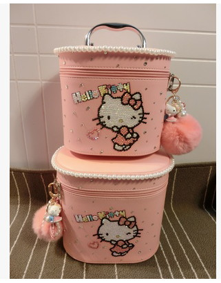 HELLO KITTY 2017 new 3D Solid modelingmake up bag Double layer design With a variety of