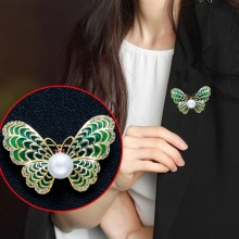 Latest arrival Natural Freshwater Pearl Brooch Butterfly Gold Color Jewelry For Women Gift