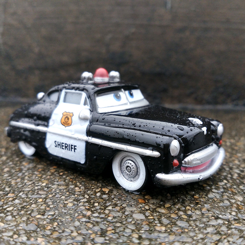Disney Pixar Cars 2 Lightning Mcqueen Mater 1 55 Diecast Metal Alloy Model Car Birthday Gift Educational Toys For