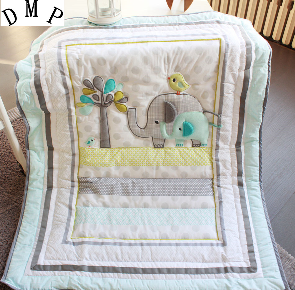 Promotion 7pcs Embroidery Baby Bedding Set for Crib Newborn baby bedding crib set include bumpers duvet