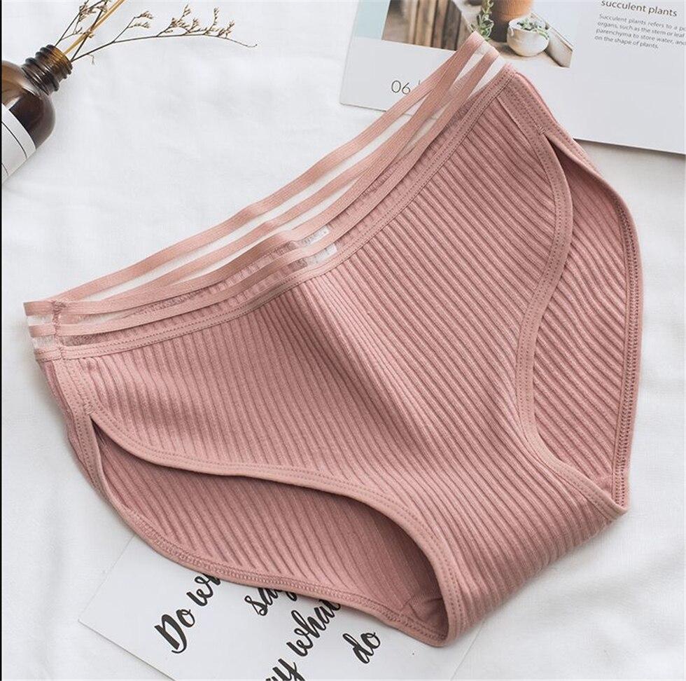 Famous Brand Women's Cotton Panties Female Lace Edge Breathable Briefs Sexy Underwear Women Cotton Crotch Lingerie Intimates