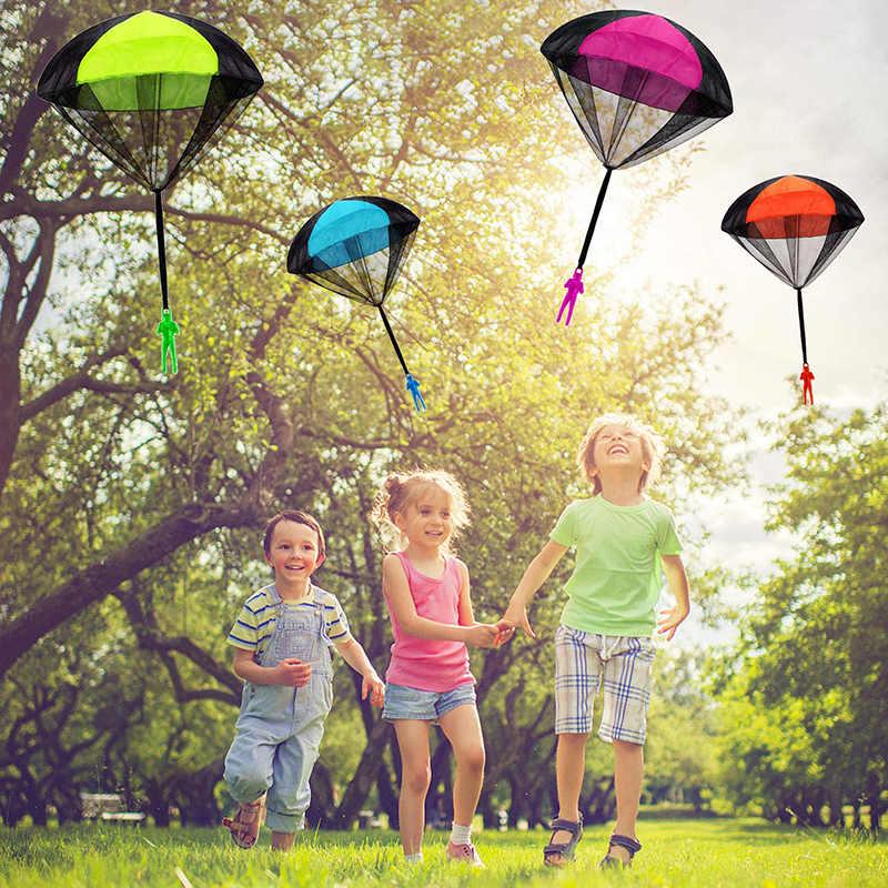 手投げるミニ兵士パラシュートおかしいおもちゃ子供屋外ゲームプレイ知育玩具フライパラシュートスポーツ子供のおもちゃ