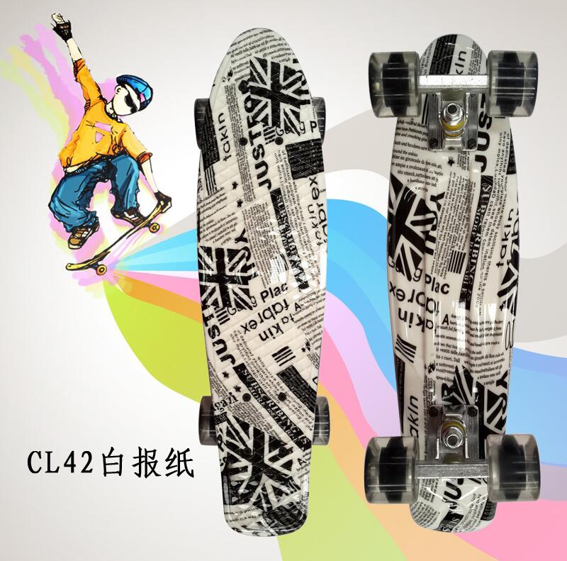 New Original 22Inch completed Mini Skate board With News paper pattern for Skaters to Enjoy the skateboarding Mini rocket board цена