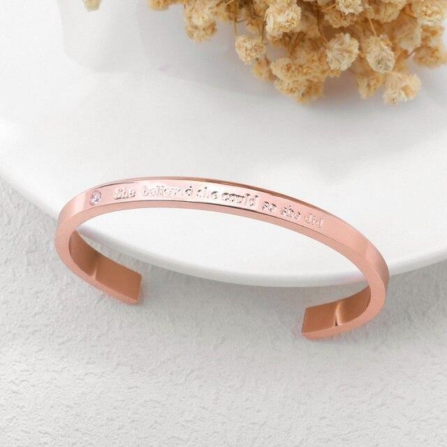 Фото женский браслет манжета с фианитами розовое золото
