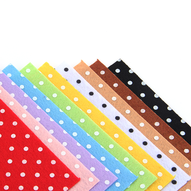 US $4 9 |100% Polyester Circle Shape Felt Fabric Women Patchwork DIY Craft  Sewing Toys Bag Home Decoration 10PCS/lot 15CM*15CM J 10S2-in Felt from