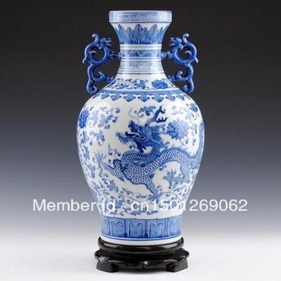 Chinese Porcelain Vases Blue And White Porcelain Binaural Dragon