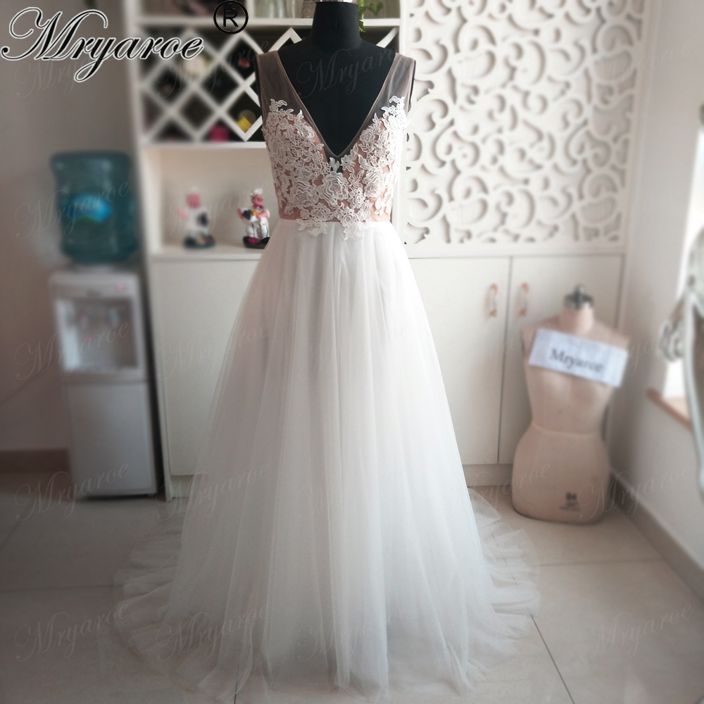 Mryarce 2018 New Arrival Simply Elegant Wedding Dress V Neck Lace Appliqued OPen Back Tulle A