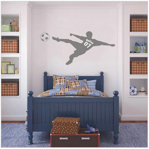 voetbal voetbal gepersonaliseerde naam en nummer muur sticker vinyl kunst aan de muur poster kinderen muursticker kinderen room decor d607 3