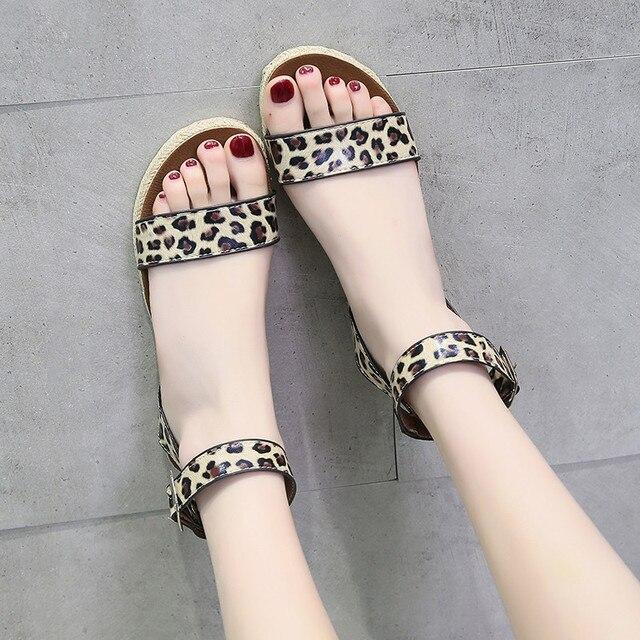 COOTELILI Sandálias plataforma Sapatos de Verão Mulher Apartamentos Das Mulheres Da Forma Plana Feminino Casual Sandlen Fivela Do Dedo Do Pé Aberto Leopardo