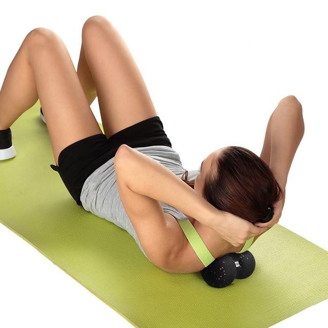 Entrenamiento de yoga bola de maní